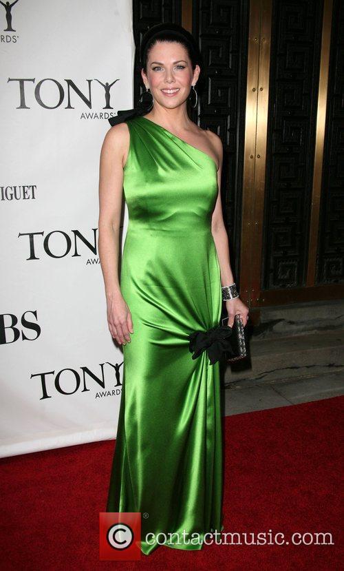 Picture - Actress Lauren Graham at Radio City Music Hall ...
