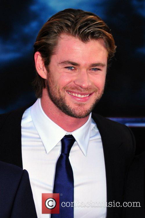 chris hemsworth picture 3321741 | chris hemsworth los angeles premiere ...