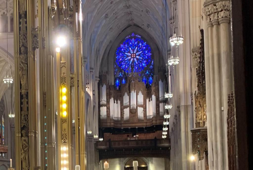 Órgano y Roseta en San Patricio