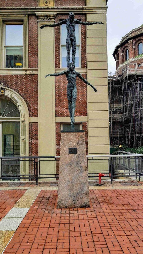 Los equilibristas en Universidad de Columbia