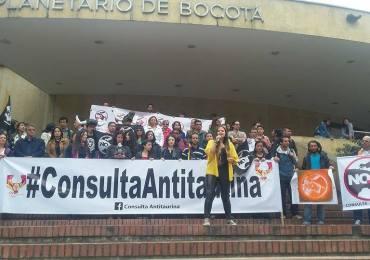 Inicia campaña por el NO a tortura animal en la Plaza la Santamaría