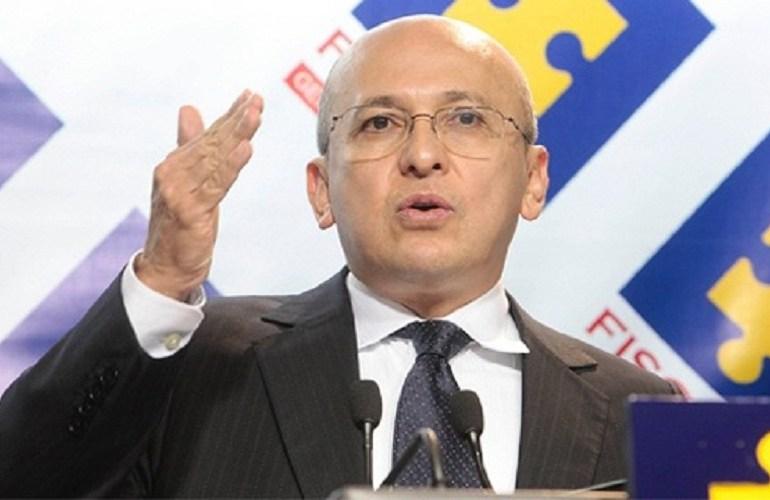 "Contratos entregados ""a dedo"" por la Fiscalía suman $44.300 millones"