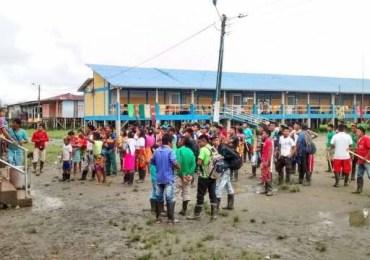 Comunidad Embera del Chocó se toma instalaciones de alcaldía de Carmen del Darién