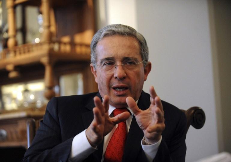 La telaraña de falsos testigos y colaboradores de  Álvaro Uribe Vélez