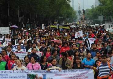 Maestros mexicanos anuncian que las movilizaciones continuarán
