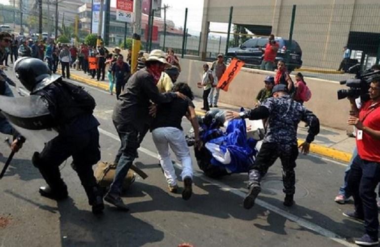 En disturbios terminó movilización por asesinato de Berta Cáceres