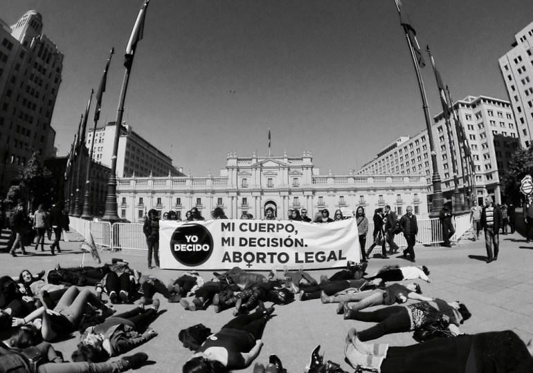 Mujeres exigen legalización del aborto en Chile