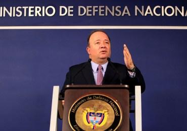 """""""Paramilitares no hay"""" … señor Villegas ¿entonces qué hay?"""