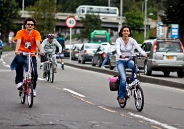 Biciusuario entutela Bogotá por contaminación de aire