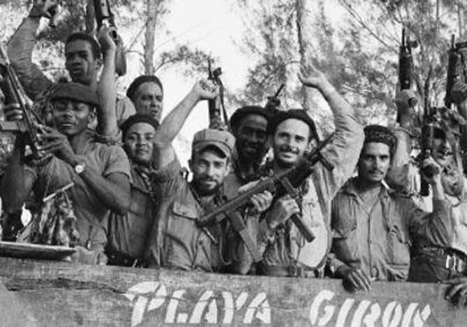 Cubanos conmemoran 56 años de la victoria en Playa Girón