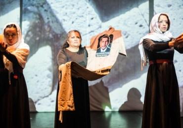 """""""Antígonas"""" la lucha de las madres de Soacha en el Teatro"""