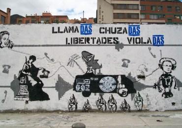 """""""Son más importantes los crímenes del DAS que los trinos de Uribe"""" Alirio Uribe"""