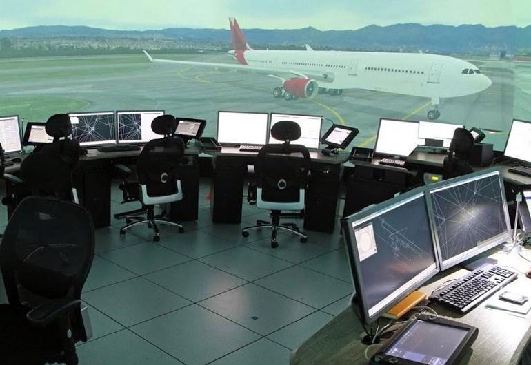 Hay un déficit de 300 controladores aéreos en Colombia