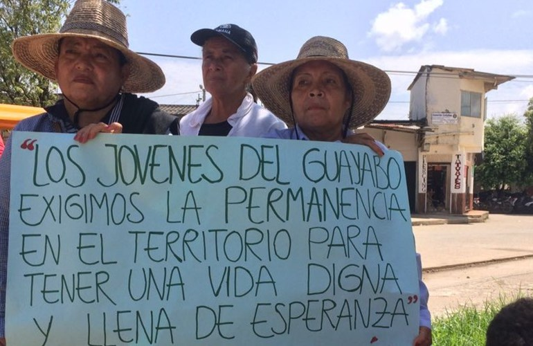 Sin techo pasarán la navidad 60 familias desalojadas del Guayabo en Santander
