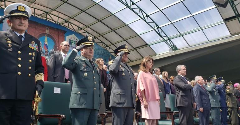 Con nueva cúpula militar uribismo asume control de seguridad y defensa