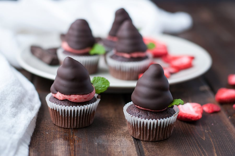 Chocolate dipped strawberry buttercream- a play on the classic romantic treat, this buttercream uses freeze dried strawberries to get its beautiful pink hue and intense strawberry flavor.