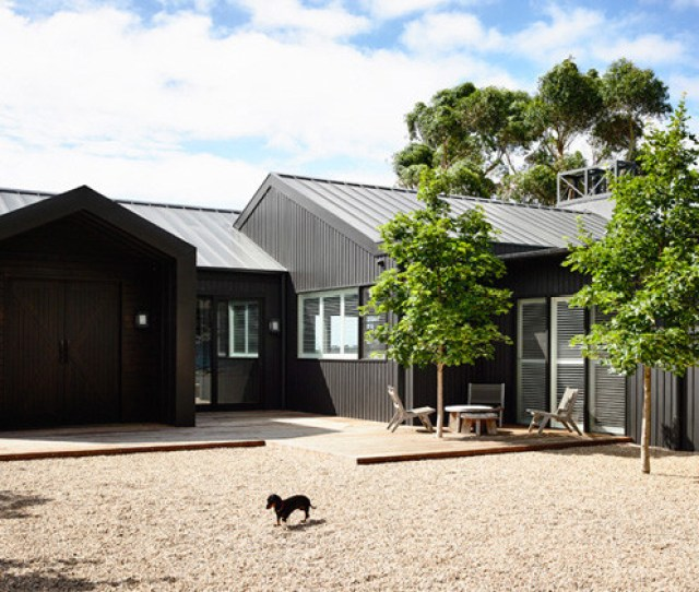 A Contemporary Renovation For A Farm House In Australia