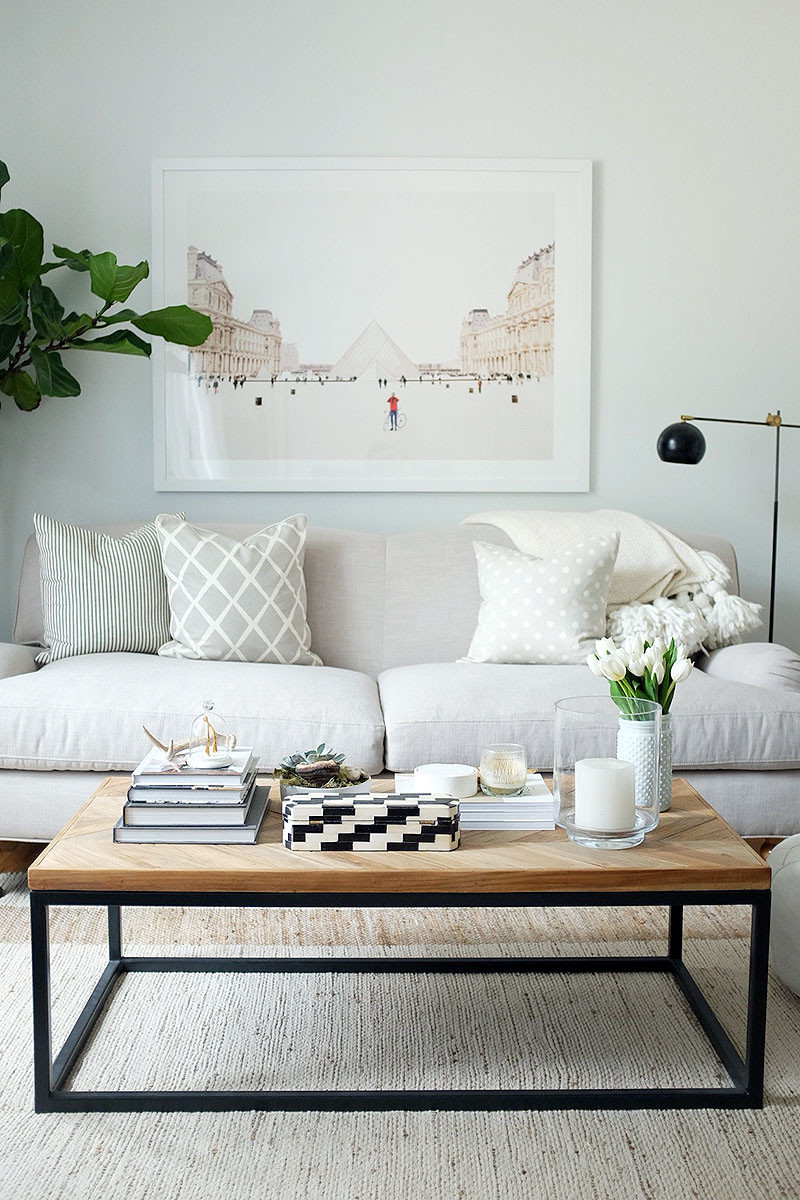 5 reasons why candles and coffee tables