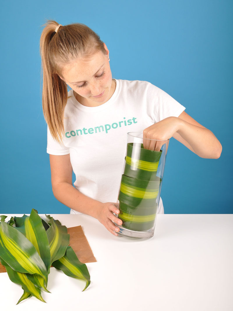 Flower Arrangement DIY - Line Your Vase With Leaves To Hide The Flower Stems