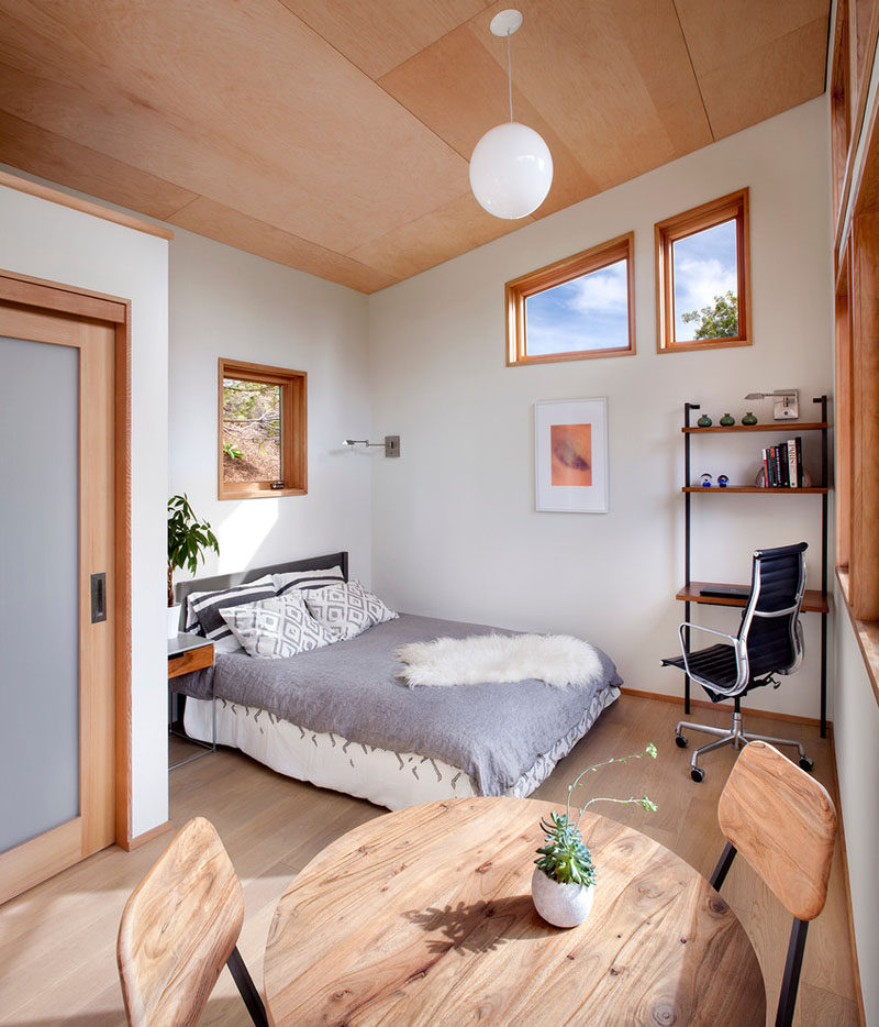 This small backyard guest house is big on ideas for ... on Backyard House Ideas id=61117