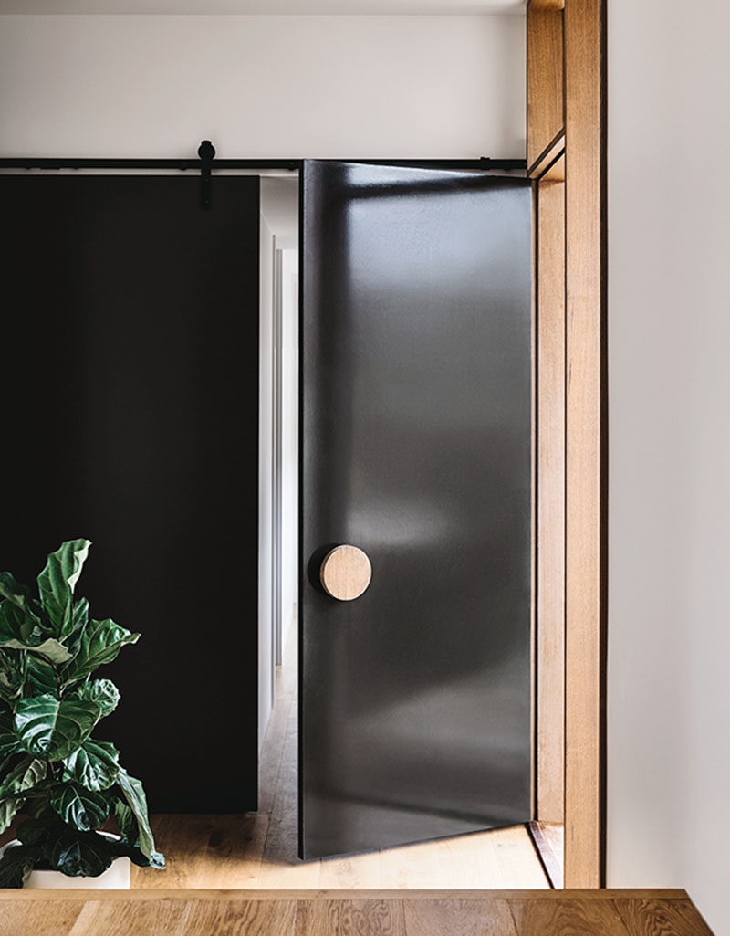 Front Door Design Idea Use An Oversized Circular Door