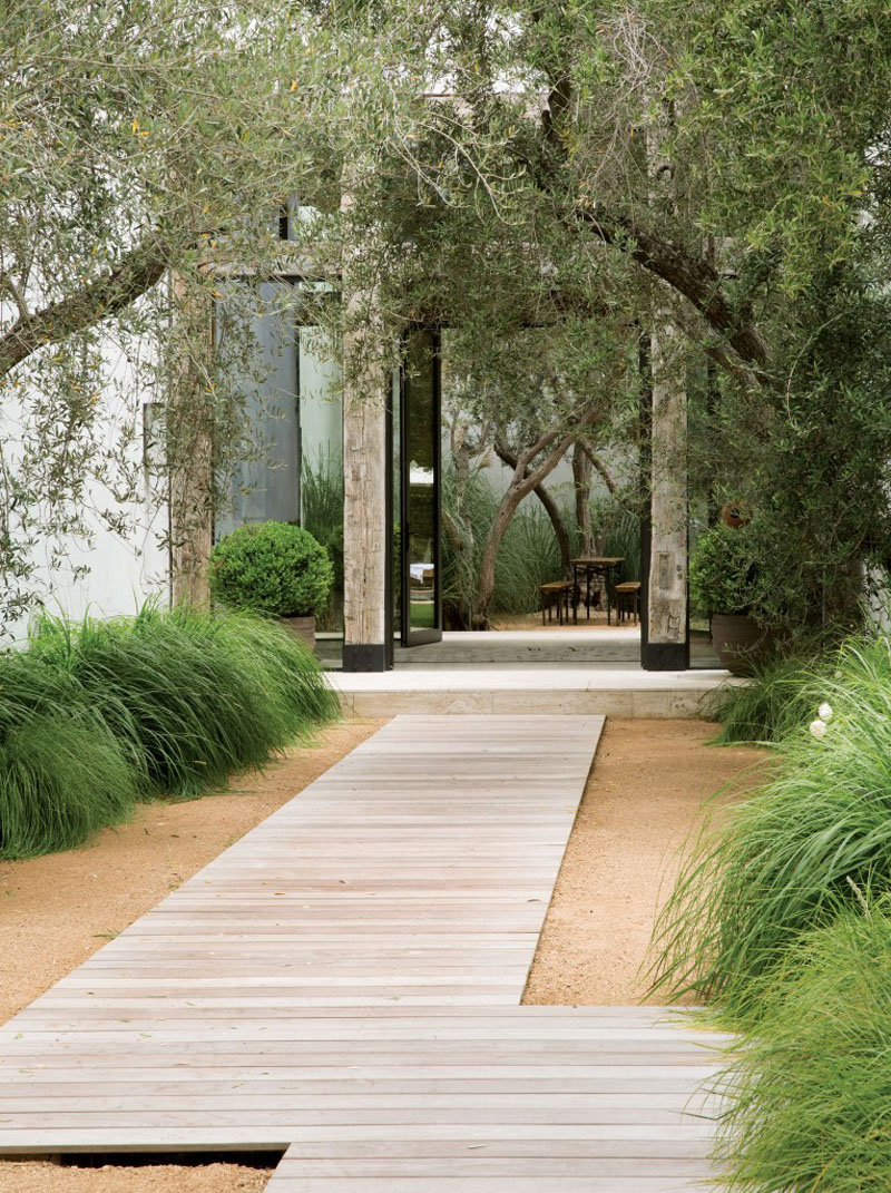 14 Modern Walkways And Paths That Are Creative And Functional on Contemporary Backyard  id=64663