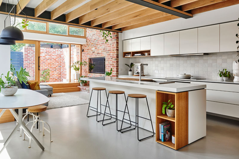 Altereco Design completed the renovation of ahundred-year-old worker's cottage in Yarraville, a suburb of Melbourne, Australia, for their clients who wanted to leave as small a carbon footprint to their new home as possible. #Renovation #Kitchen #InteriorDesign