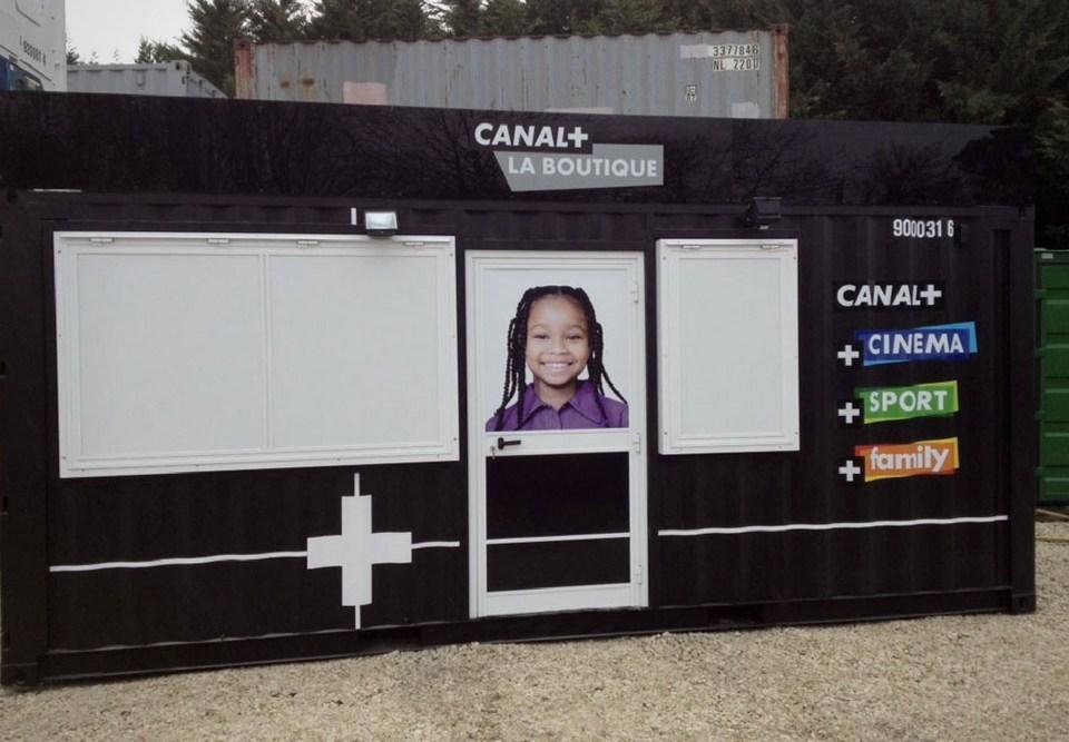 Container événementiel aménagé pour canal plus 5