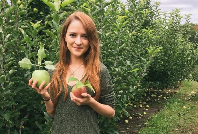Apple picking- fruits and veggies