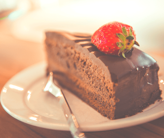 Sugary foods such as cake can cause bloating