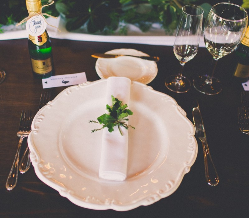 contessa catering table setting