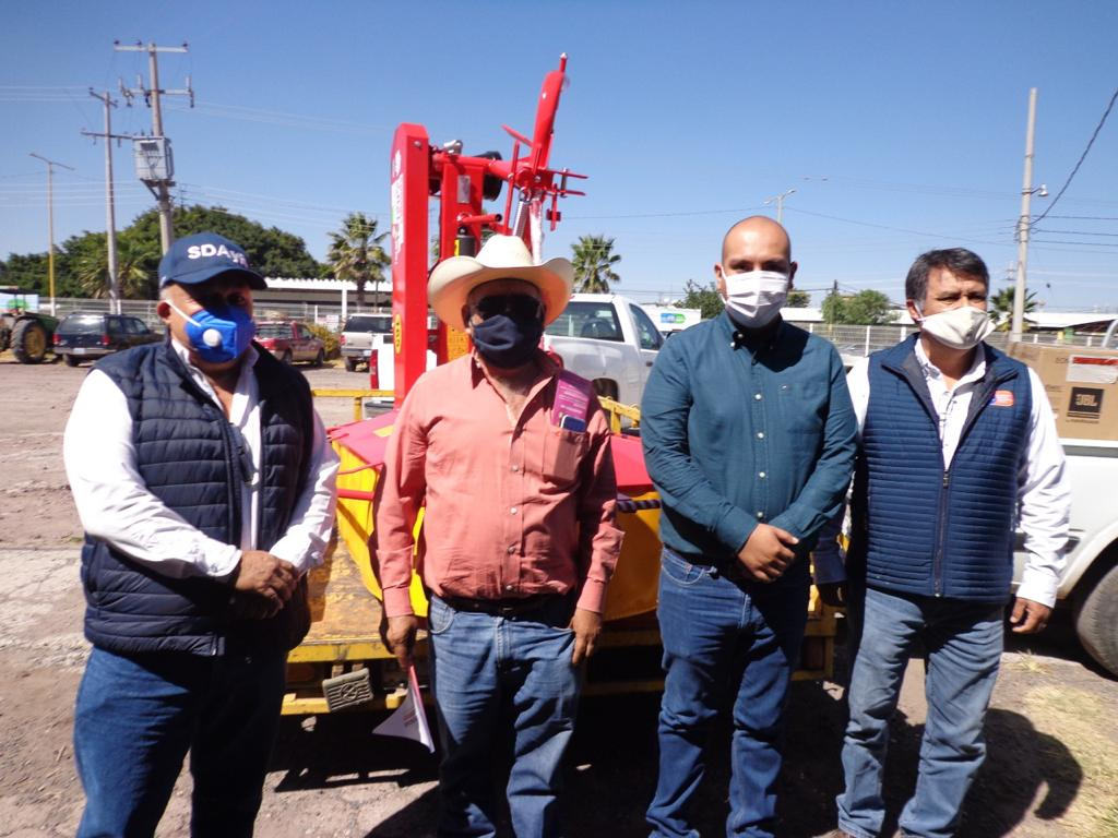 A través del programa «Tecno Campo» entregaron 18 implementos para campo en Cortazar