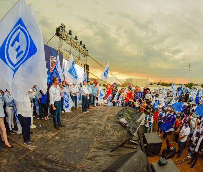 Miles de Sanmiguelenses acompañan a Luis Alberto Villareal García en automitin por la victoria