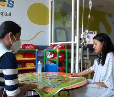 SEG reanuda el servicio educativo a niñas y niños hospitalizados
