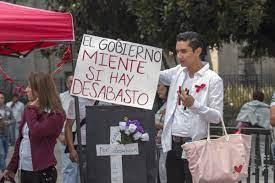 Marchan en la Ciudad de México para exigir medicamentos para niños con cáncer