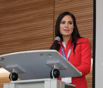 Pide Alejandra Gutiérrez  a servidores públicos dar más de lo necesario