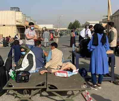 Tras atentado en aeropuerto de Kabul OMS busca alternativas para llevar ayuda médica