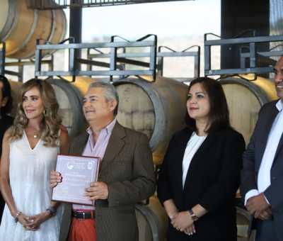 Reconoce alcaldesa a Fundación Nutrición y Vida por llevar alimento a familias celayenses