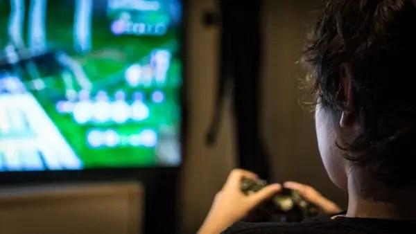 Fortnite: el juego que hace adictos a los adolescentes y angustia a los padres