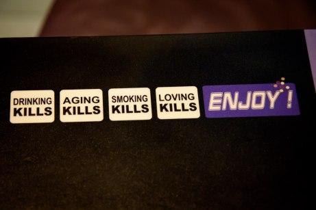 Le Vingt4 in Nice, France: Aging Kills, Smoking Kills, Loving Kills, Enjoy!