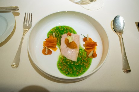 Dallmayr, Restaurant in Munich: steam carp fillet, pumpkin leaves, verjus