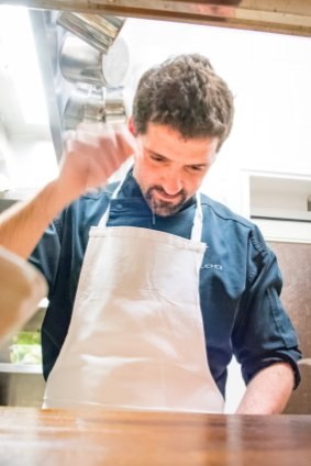 Best places to eat in Paris - chef Danet at work