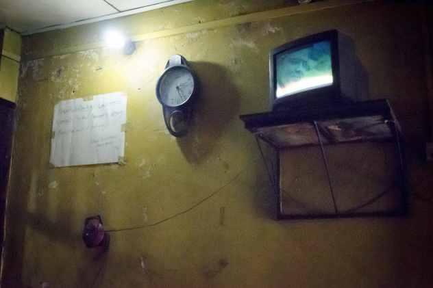Visiting Sri Lanka: Watching TV and having a beer