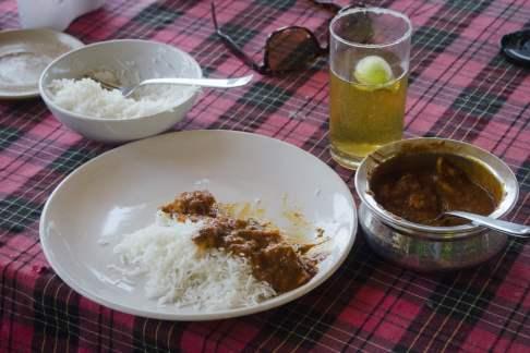 Goa Beach: Vindaloo and Beer!