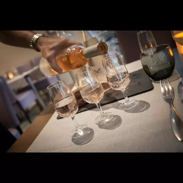 Wine, food, smiles, experience, ambiance... le Vingt4 in Nice is a seriously beautiful restaurant. Unique characters, unique products. This is a must-do when on the Côte d'Azur. #wine #winebar #restaurant #bistro #pub #levingt4 #vingt4 #restaurantlevingt4 - Things to do in Nice
