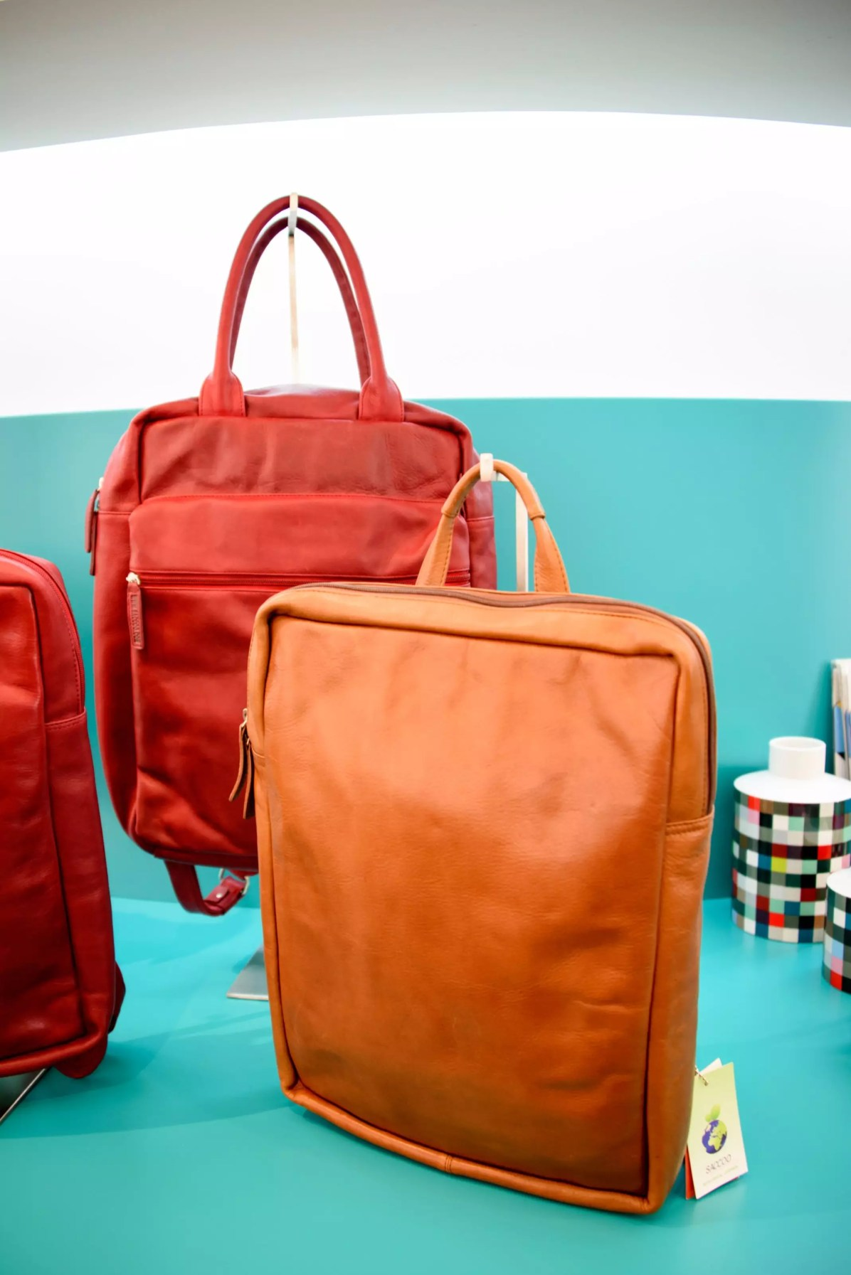 """Couple Travel: """"It's a beautiful bag, but... what about our budget?"""""""