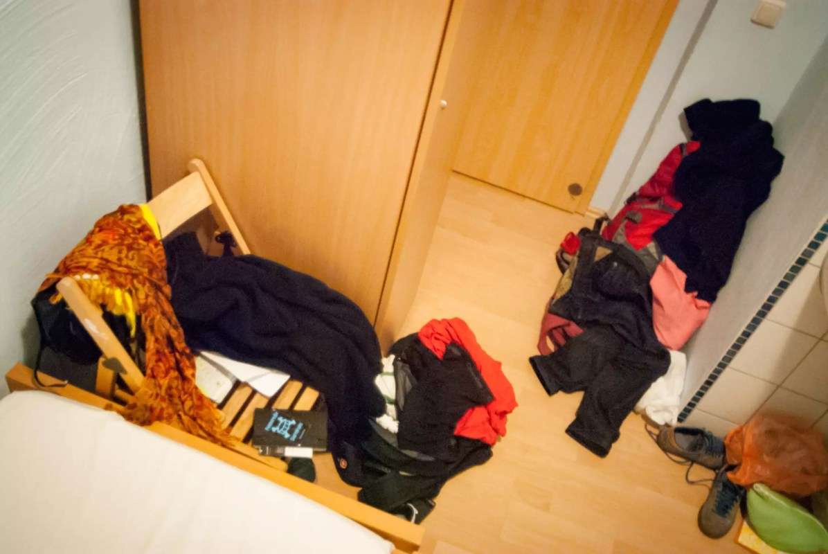"""Couple Travel: """"What a mess, honey!"""""""