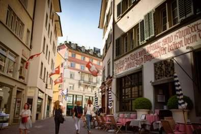 Switzerland: Zurich and Basel... what cleanliness, what class!   Suisse: Bâle et Zurich... quelle propreté, quelle classe!