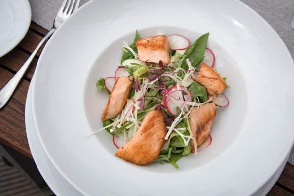 Coda, Prague - Salade de saumon
