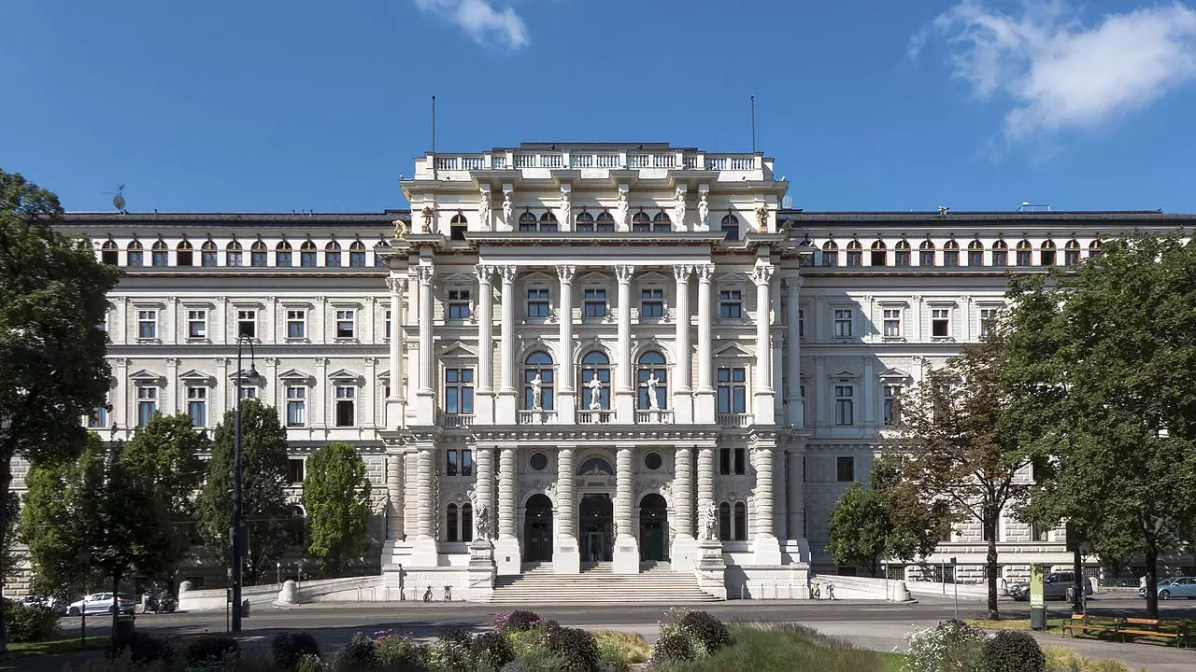 Vienna Justizpalast - CC0 / Public Domain - Things to do in Vienna
